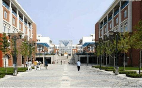 毕业设计论文中期报告城市