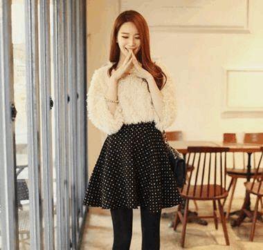冬季美裙加黑丝袜完美秀出魔鬼身材